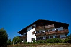 Alpi italiane - casa tipica Immagini Stock