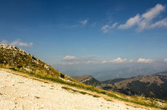 Alpi italiane nelle nuvole Immagine Stock