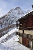 Alpi italiane, valle di Gressoney: Architettura alpina Immagini Stock Libere da Diritti