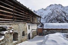 Alpi italiane, valle di Gressoney: Architettura alpina Immagine Stock