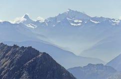 Alpi, Matterhorn e WeiÃhorn Immagine Stock