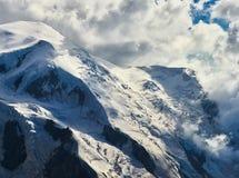 Alpi, Mont Blanc e ghiacciai francesi come visto da Aiguille du Midi, Chamonix-Mont-Blanc, Francia Immagine Stock