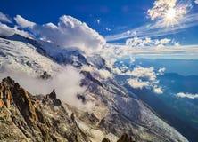 Alpi, Mont Blanc e ghiacciai francesi come visto da Aiguille du Midi, Chamonix-Mont-Blanc, Francia Fotografia Stock Libera da Diritti
