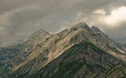 Alpi in nebbia Immagini Stock