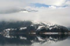 Alpi nebbiose Immagine Stock