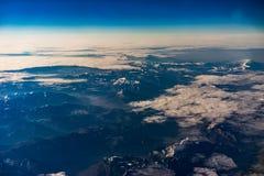 Alpi nell'inverno durante l'alba dall'aria Fotografia Stock Libera da Diritti
