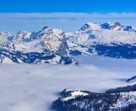 Alpi nell'inverno, vista dal Mt Fronalpstock Immagine Stock