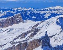 Alpi nell'orario invernale, vista dal Mt Titlis in Svizzera Fotografia Stock