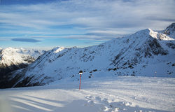 Alpi nella stazione sciistica di inverno di Ischgl - alpi della montagna, Austria Immagini Stock