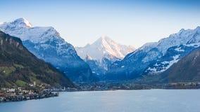 Alpi in neve al tramonto Fotografie Stock Libere da Diritti