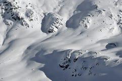 Alpi svizzere. Corsa con gli sci della regione selvaggia Fotografia Stock Libera da Diritti