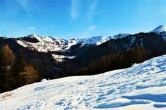 Alpi svizzere e giorni di inverno Immagini Stock Libere da Diritti