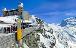 Alpi svizzere e l'hotel di Gornergrat Kulm in svizzero Fotografie Stock