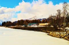 Alpi svizzere e lago congelato Immagine Stock Libera da Diritti