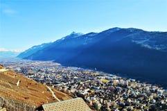Alpi svizzere e vista panoramica dei villaggi Fotografie Stock Libere da Diritti