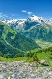 Alpi svizzere Località di soggiorno Engelberg Attraversando a piedi through lo Swis Fotografie Stock