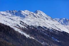 Alpi svizzere nell'inverno, vista dalla città di Tavate Immagini Stock Libere da Diritti