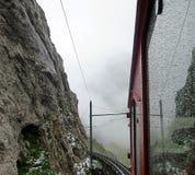 Alpi svizzere rosse del carrello andando su Fotografia Stock Libera da Diritti