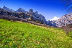 Alpi svizzere sbalorditive vicino a Leukerbad, cantone Valais, Svizzera Immagine Stock