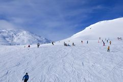 Alpi svizzere: Sport invernali Tavate, Parsenn Weisfluhjoch fotografie stock