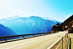 Alpi svizzere, vista dalla strada Immagine Stock