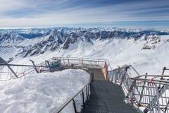 Alpi tedesche della stazione del picco di montagna di Zugspitze nell'inverno Fotografia Stock Libera da Diritti