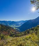 Alpi tedesco-austriache di panorama vicino a Berchtesgaden in autunno Fotografia Stock