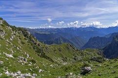 Alpi un giorno soleggiato Fotografia Stock Libera da Diritti