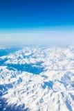Alpi - vista aerea dalla finestra dell'aeroplano Fotografia Stock
