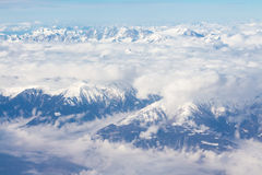 Alpi - vista aerea dalla finestra dell'aeroplano Fotografia Stock Libera da Diritti