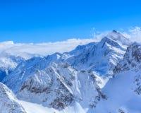Alpi, vista dalla cima del Mt Titlis in Svizzera Immagine Stock