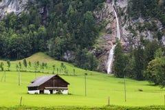 Alpien berglandschap zwitserland royalty-vrije stock afbeeldingen