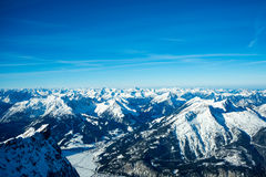 Alpien de winterpanorama Royalty-vrije Stock Afbeeldingen