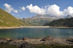 Alpien hydro-elektrisch bassin Royalty-vrije Stock Fotografie
