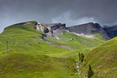 Alpien landschap met kabelbaan Royalty-vrije Stock Afbeeldingen