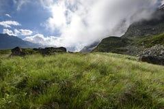 Alpien landschap vroeg in de ochtend Royalty-vrije Stock Foto's