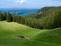 Alpien meer in berg Royalty-vrije Stock Foto's