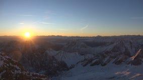 Alpien panorama van Zugspitze stock video