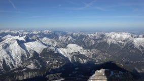 Alpien panorama van Zugspitze stock videobeelden