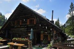 Alpien Plattelandshuisje Royalty-vrije Stock Foto's