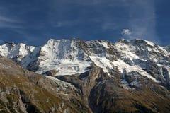 Alpiene bergketen royalty-vrije stock afbeeldingen