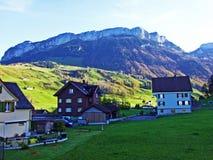 Alpiene heuvel Alp Sigel in de Alpstein-bergketen en in het Appenzellerland-gebied royalty-vrije stock afbeeldingen