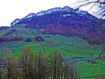 Alpiene heuvel Alp Sigel in de Alpstein-bergketen en in het Appenzellerland-gebied royalty-vrije stock afbeelding
