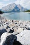 Alpiene meer en berg Stock Foto's