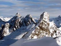 Alpiene pieken Royalty-vrije Stock Foto's