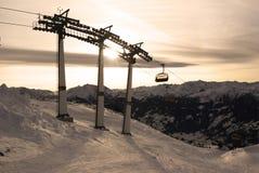 Alpiene skistoeltjeslift stock foto