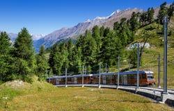 Alpiene trein in Zwitserland, Zermatt stock foto's