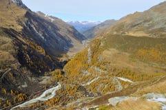 Alpiene vallei in de herfst Royalty-vrije Stock Afbeelding