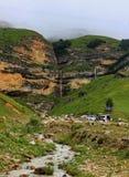 Alpiinewatervallen in Gusar-gebied van Azerbeidzjan Stock Afbeeldingen