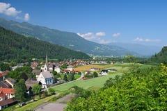Alpin by av Sachsenburg Royaltyfri Fotografi